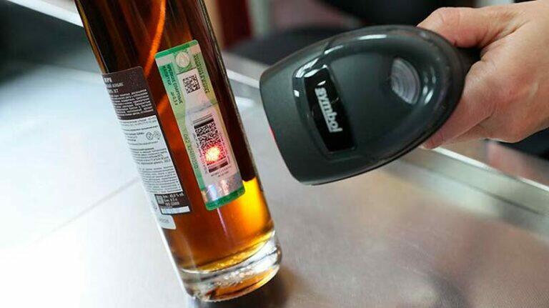 Несмотря на то, что рост цен на крепкие алкогольные напитки ожидается в следующем году, шумиха началась уже сейчас