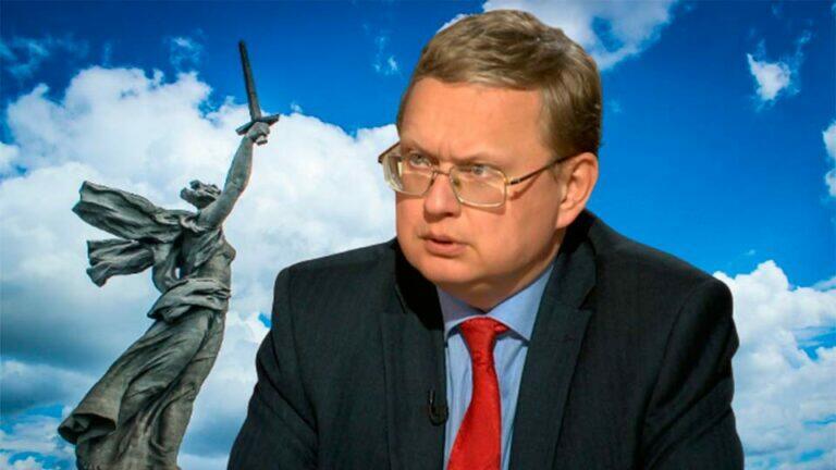 Делягин дал характеристику патриотизму заявив, что это желание избавиться от власти воров и преобразить Россию