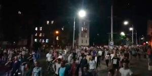 Выборы президента Белоруссии сопровождались взрывами светошумовых гранат и клубами слезоточивого газа