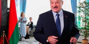 Путин поздравил Лукашенко с победой на выборах, но сделал это вслед за Си Цзиньпинем, что меняет расклад политических сил