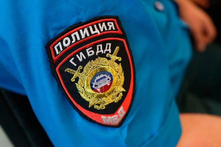 Под Ростовом в ДТП погибли три человека, врезавшись на автомобиле в дом