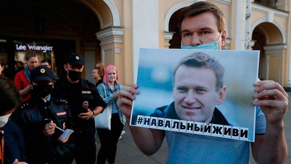 #Навальныйживи