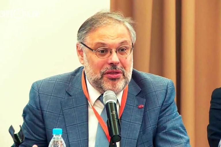 Михаил Хазин заявил, что-то пошло не так и экономика России, осенью может не перезапуститься