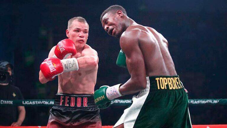Британский боксер после боя с россиянином покинул ринг в кислородной маске