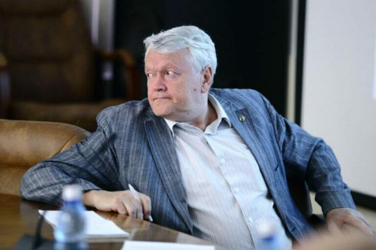 Экс-главу СО РАН Александра Асеева подозревают в мошенничестве