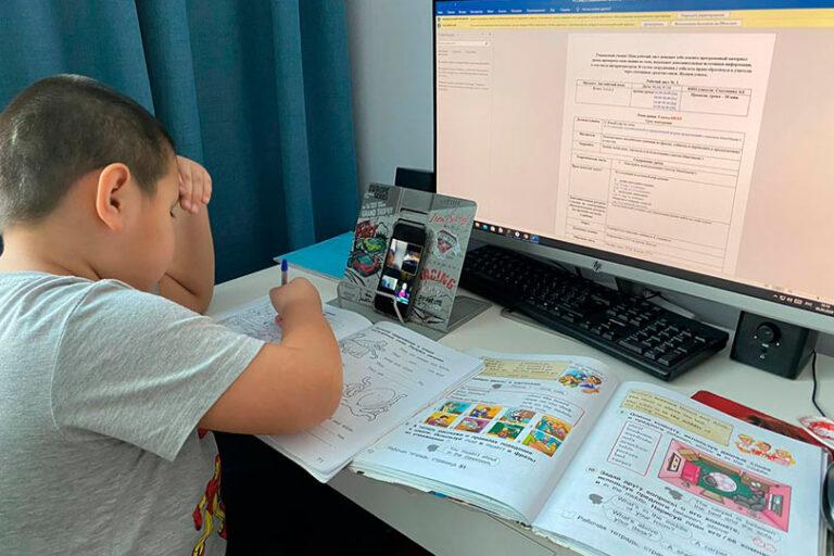 Вернутся ли московские школьники после каникул к обычному обучению или перейдут на дистанционное обучение