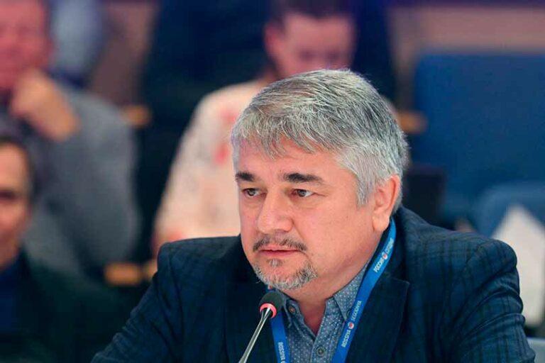 Ростислав Ищенко заявил, что экономика и финансовая система США потерпят крах, а доллар перестанет быть мировой валютой