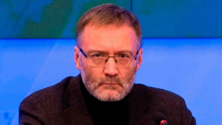Михеев считает, что Греф облачен навязчивой идеей и собирается в будущем манипулировать людьми