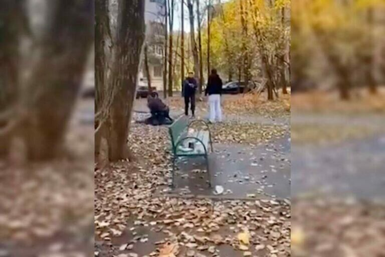 Мужчины, которые в Москве напали на полицейских во время распития алкоголя на детской площадке, задержаны и помещены под стражу