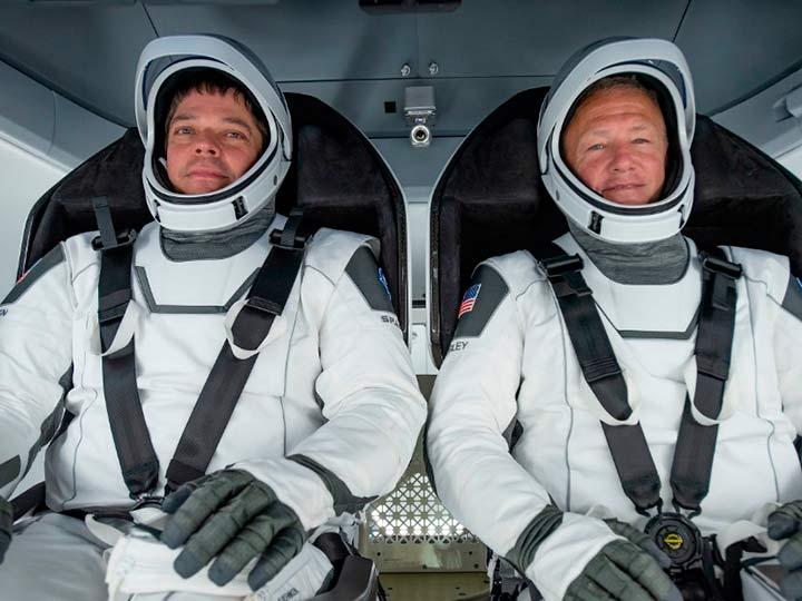 Астронавты Боб Бенкен и Дуг Херли
