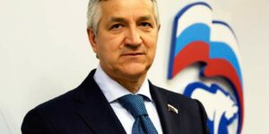 Огуль из «Единой России» предложил ввести электронные прививочные паспорта в добровольно-принудительном виде