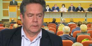 Учредительный съезд Социалистической партии РФ прошел без всякого апломба, поскольку ее лидер Платошкин отсутствовал