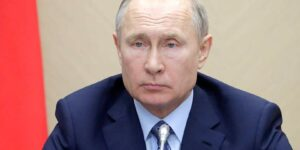 Власть фактически предъявила россиянам ультиматум, либо карантин будет точечным, либо он затянется до весны