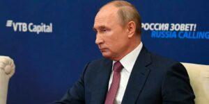 Путин заявил: курс рубля не важен, важна предсказуемая стабильность этого курса, он сам-то понял, что сказал