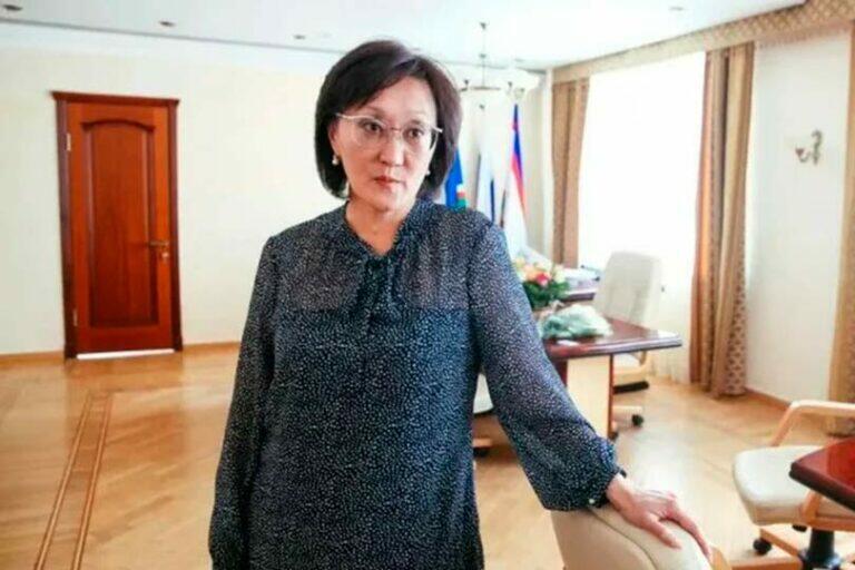 Мэра Якутска Сардану Авксентьеву собираются отправить в отставку, на очереди глава Хакассии Владимир Коновалов