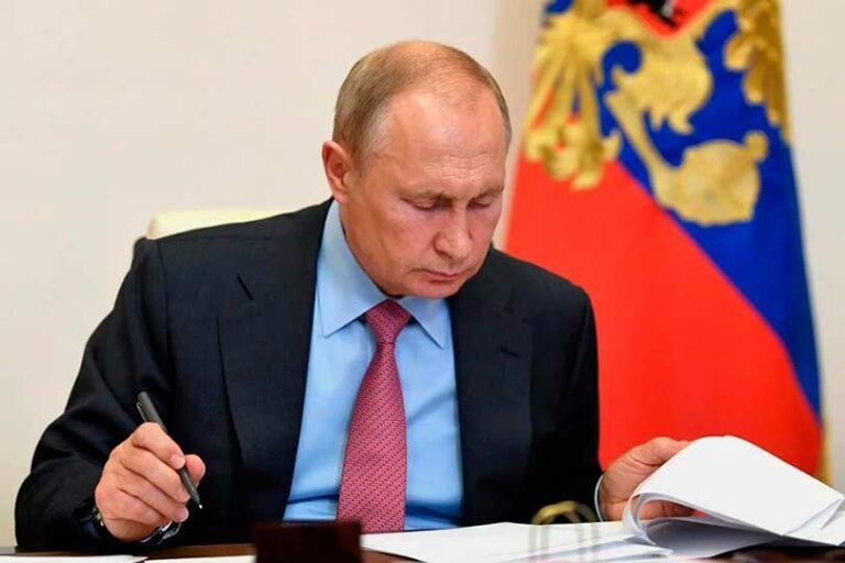 Президент Путин издал указ о продлении санкций против Запада до декабря 2021 года, чем насмешил партнеров