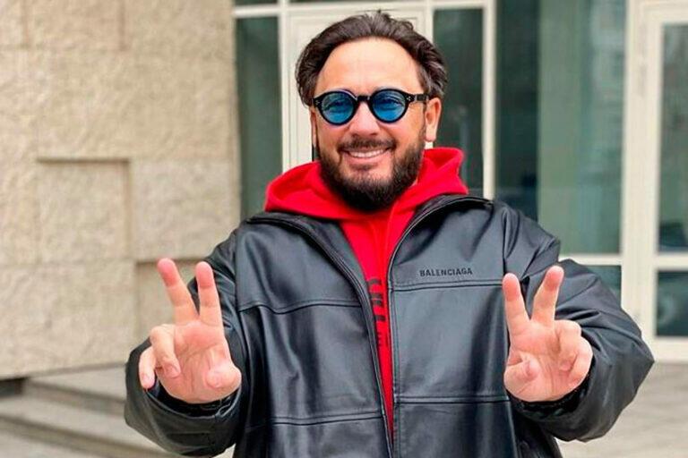 Стас Михайлов обманул миллионы россиян и россиянок, заявив в программе «60 минут», что поддерживает свой коллектив