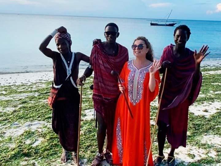 Королева и африканцы