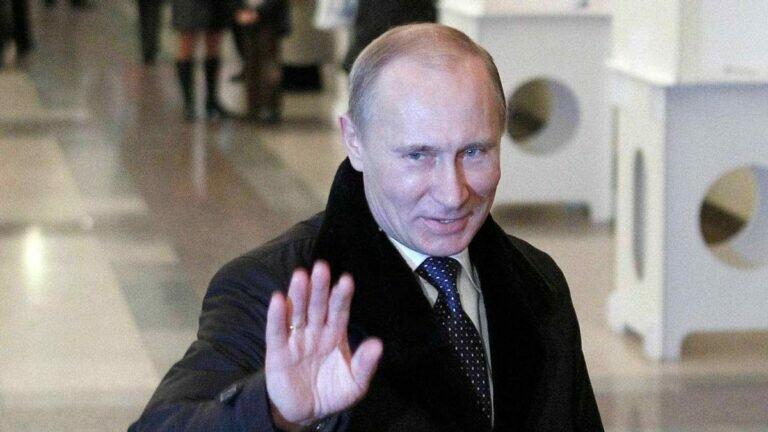 После вынужденного или добровольного ухода Владимира Путина, страна окунется в череду неразрешимых конфликтов