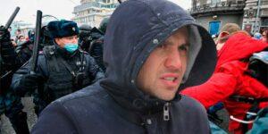 Бондаренко заявил, что стычки с ОМОНом и полицией 23 января происходили впервые в новой России, люди дошли до отчаяния