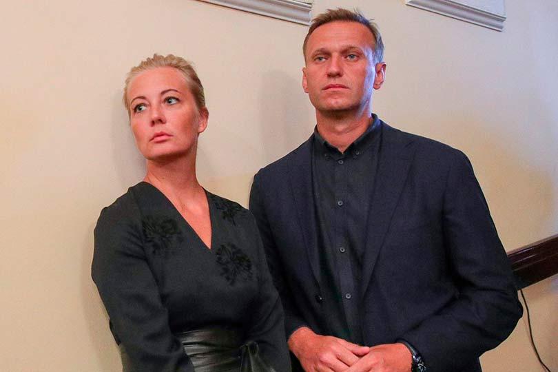 Навальный с женой