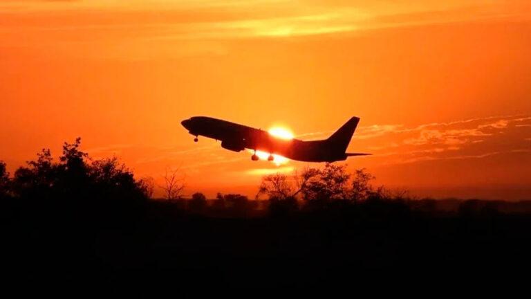 Украина ввела санкции против авиакомпаний JET4U S.R.L. и JET4U LDA, за полеты в РФ