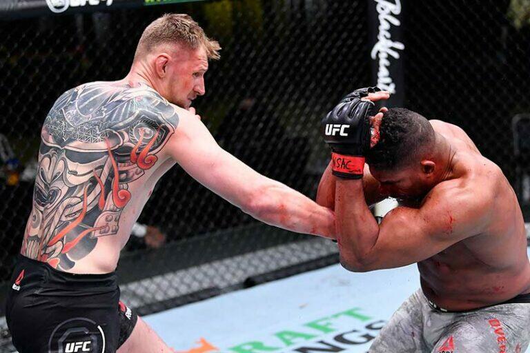 Волков нокаутировал Оверима на турнире UFC Vegas 18, для него это вторая победа подряд