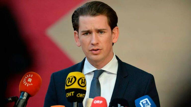 Канцлер Австрии Курц, собирается привиться вакциной из России или Китая
