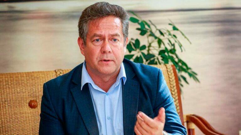 Платошкин назвал пафосное высказывание Лаврова о разрыве отношений с ЕС, грандиозным наступлением назад