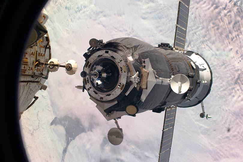 Стыковка космического корабля «Прогресс» с МКС