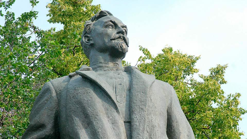 Памятник Феликса Дзержинского