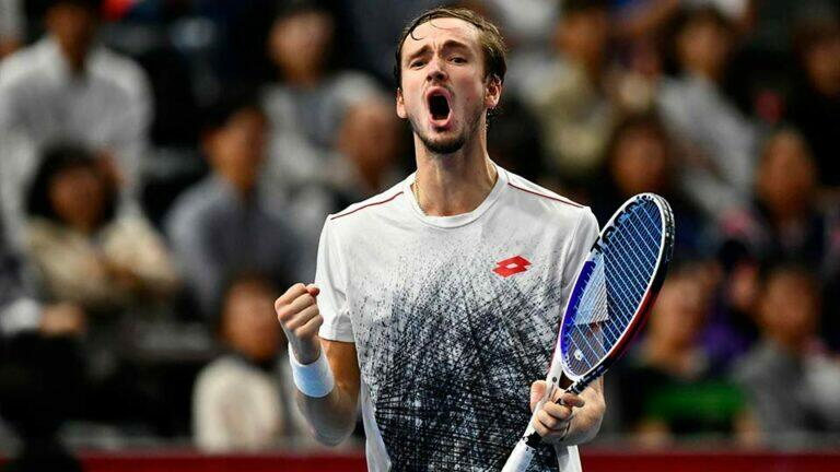 Теннисист Дмитрий Медведев вошел в тройку сильнейших