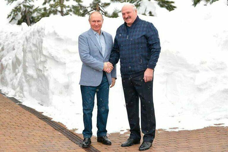 На встрече с Лукашенко Путин сообщил, что объединяет народы России и Белоруссии