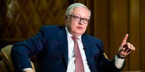Сергей Рябков призвал ограничить хождение доллара в России