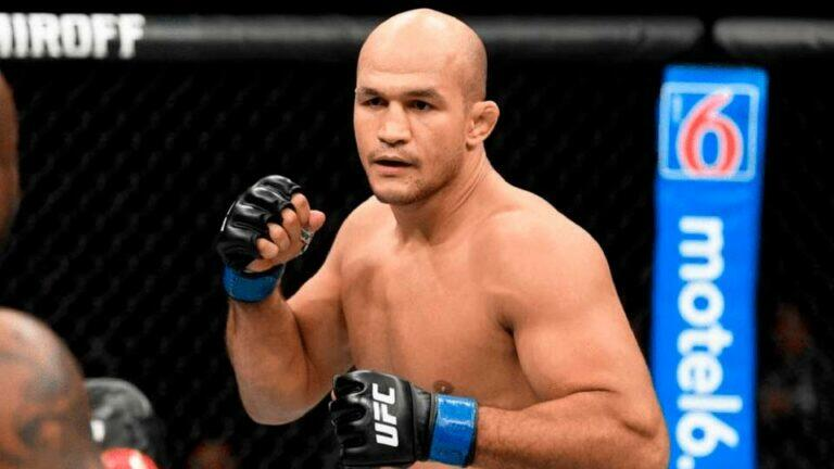 Дос Сантос решил повесить перчатки на гвоздь и завершить карьеру в UFC