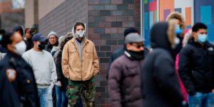 В США понизили пособие по безработице с 400 до 300 долларов в неделю