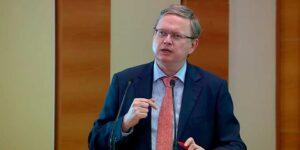 Делягин: ЕС и США ввели против России фиктивные санкции, однако рынок пошел вниз