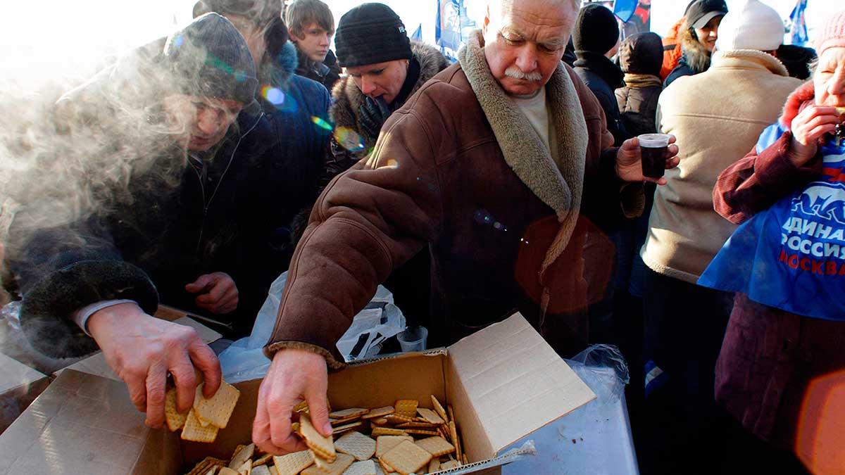 TH раздает печенье россиянам