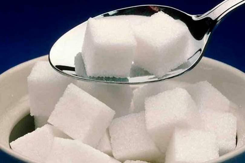 Сахар кусочками