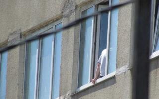 Больной в Чите избил медсестру, затем упал с пятого этажа и разбился насмерть