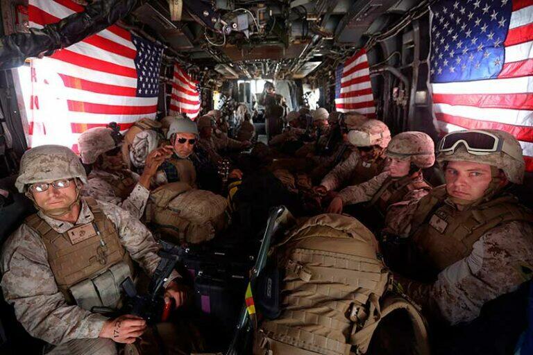 Армия США покидает Афганистан и уничтожает военную технику