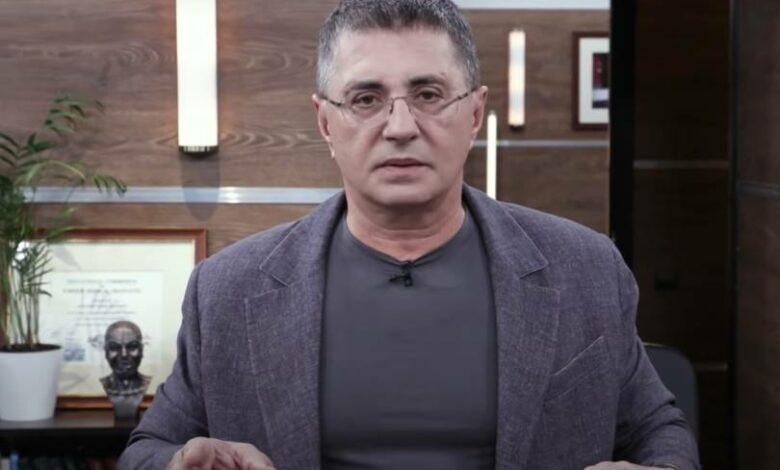 Врач Александр Мясников