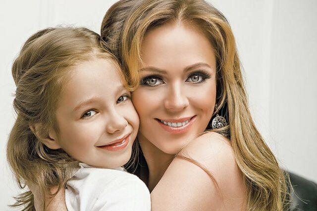 Футболист Алдонин показал взрослую дочь Нахаловой