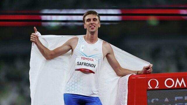 Россиянин Сафронов завоевал «золото» Паралимпиады в Токио поставил мировой рекорд в беге на 200 метров
